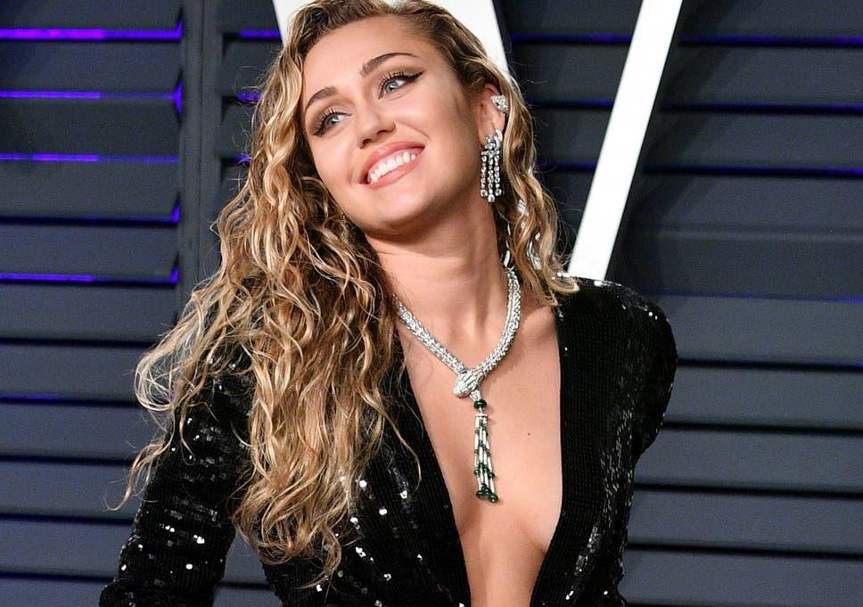 Videosz her first lesbian sex